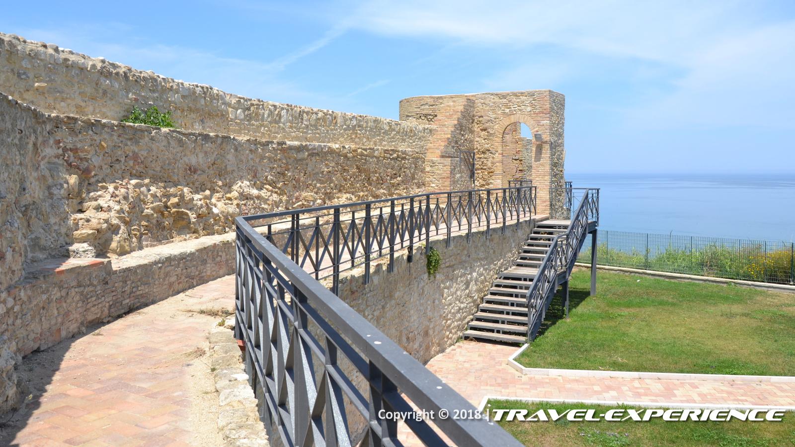 foto interno castello di Ortona
