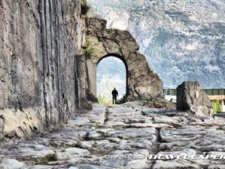 Foto Donnas Via Romana Consolare delle Gallie