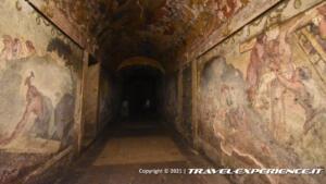 Corridoio affrescato della cripta della chiesa di San Simeon Piccolo di Venezia