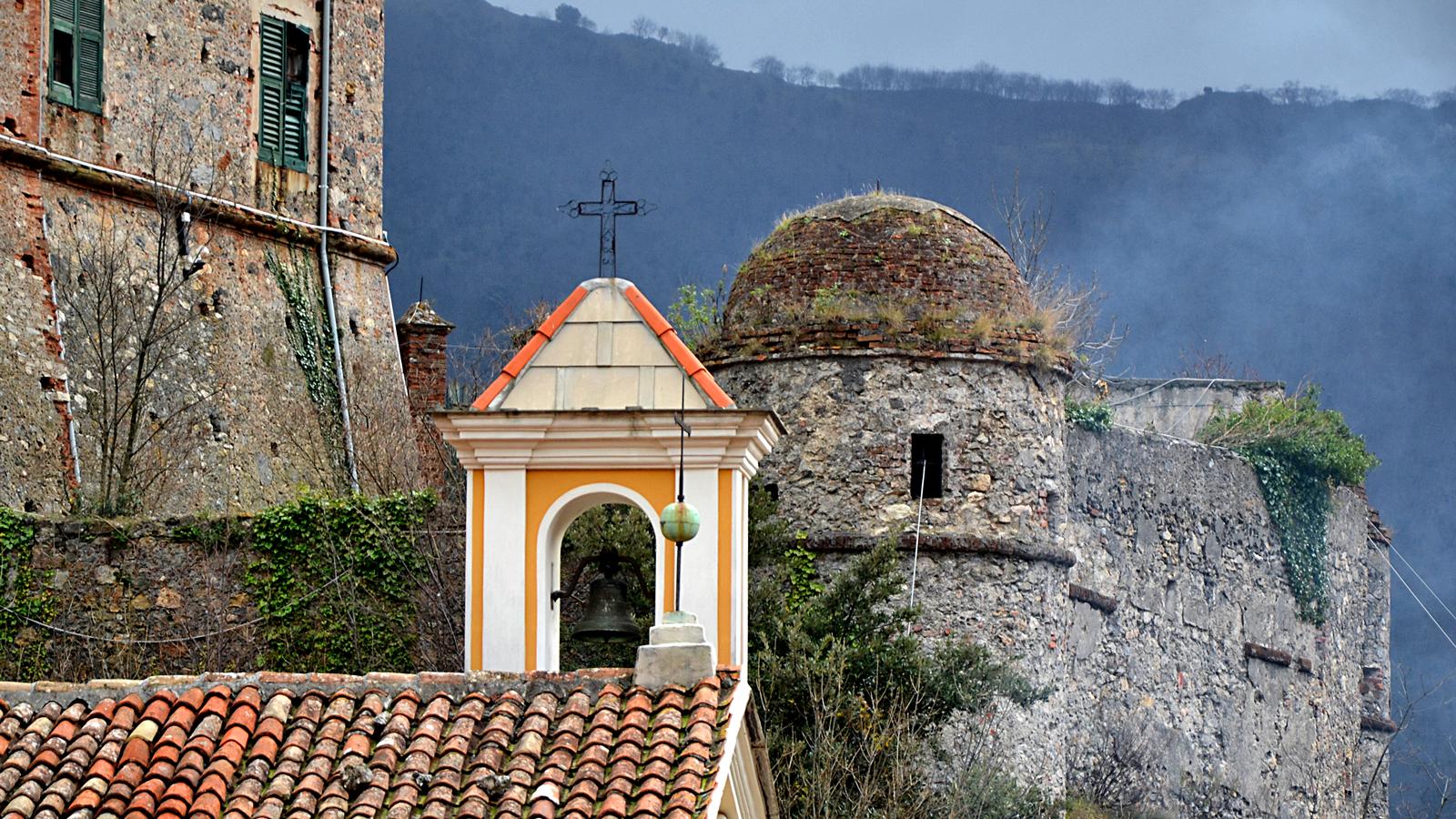Foto di Balestrino e Castello dei Del Carretto