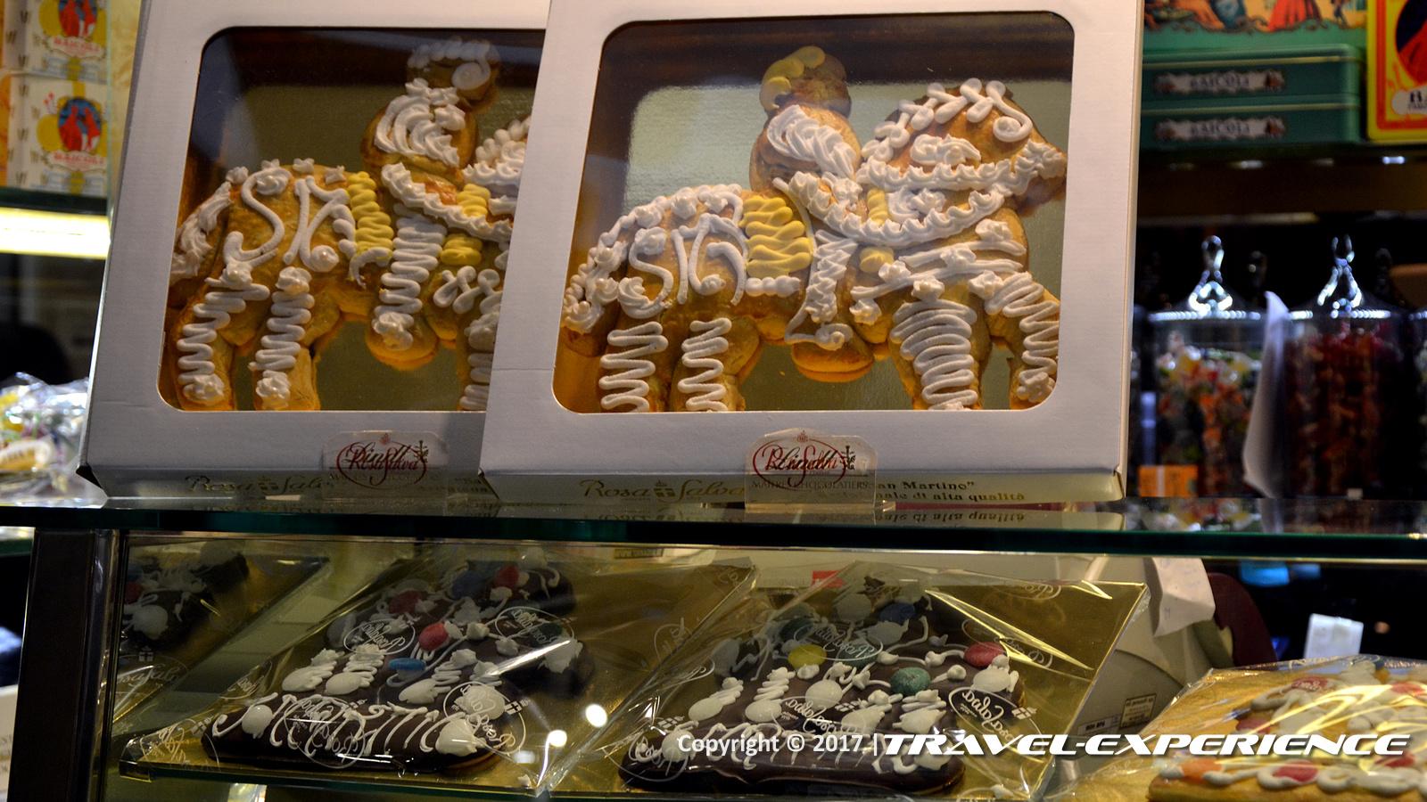 Foto variazioni dolce di San Martino in una pasticceria a Venezia