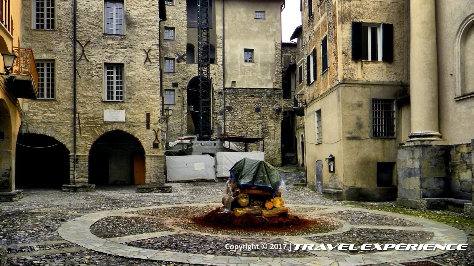 Foto piazza San Dalmazzo e rogo di Triora
