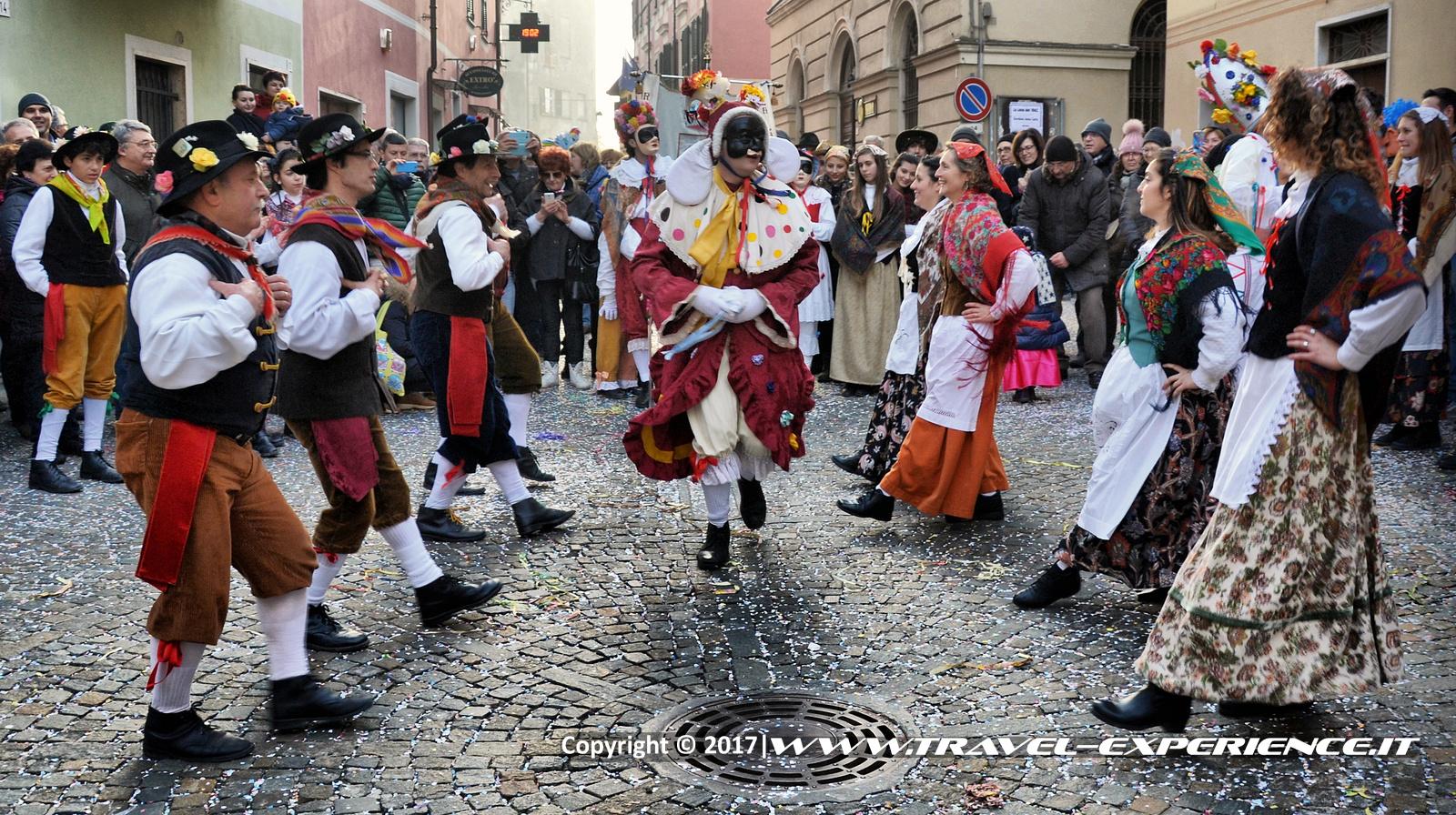 Foto danze popolari delle maschere della Lachera di Rocca Grimalda