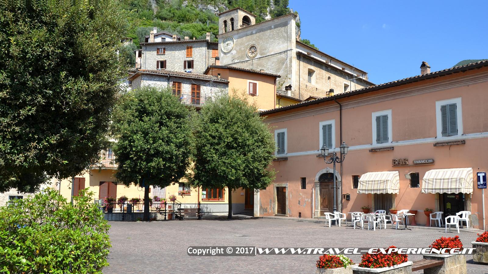 Foto piazza di Ferentillo