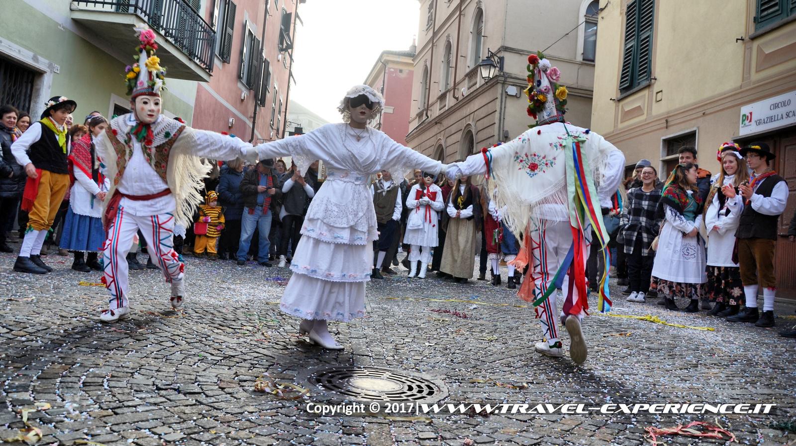 Foto della danza della sposa della Laschera di Rocca Grimalda