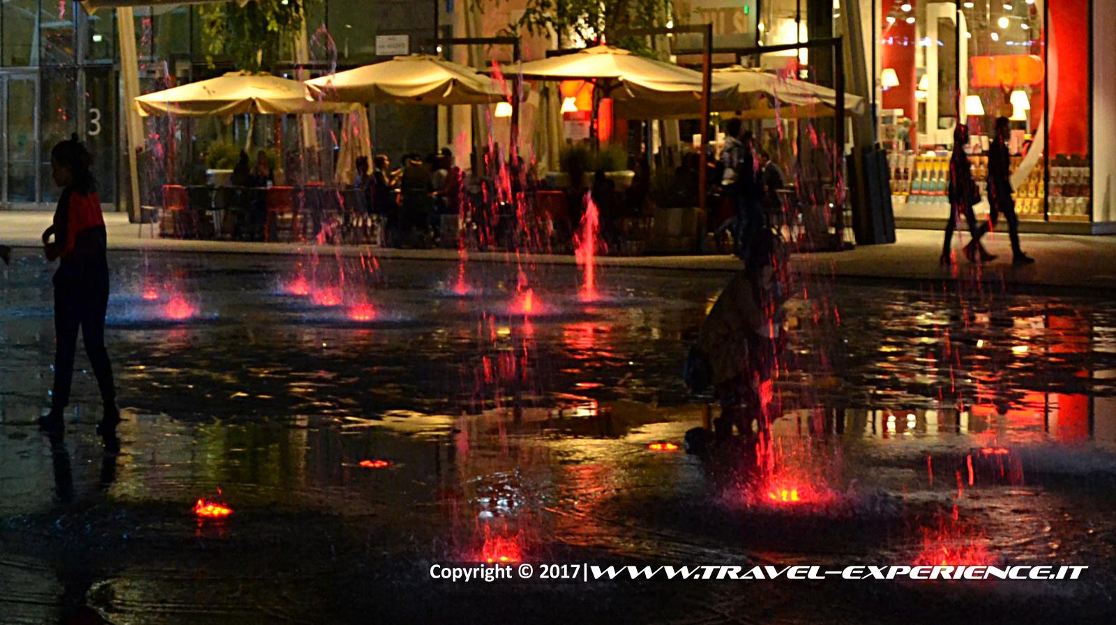 foto piazza Gae Aulenti di Milano
