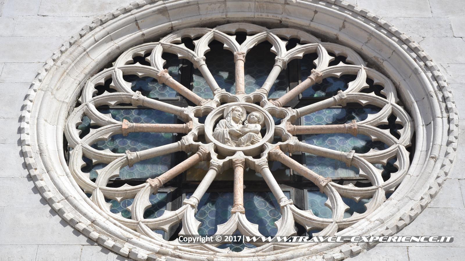 Foto rosone chiesa di Muggia