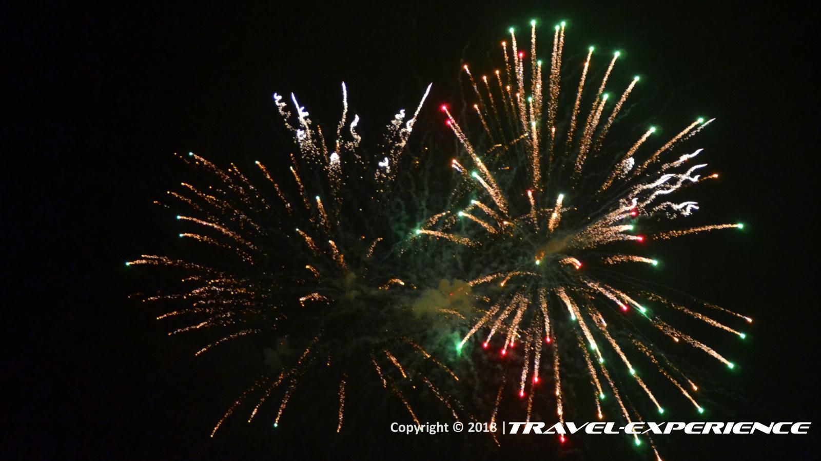 Foto fuochi d'artificio dopo il rogo del Povero Piero