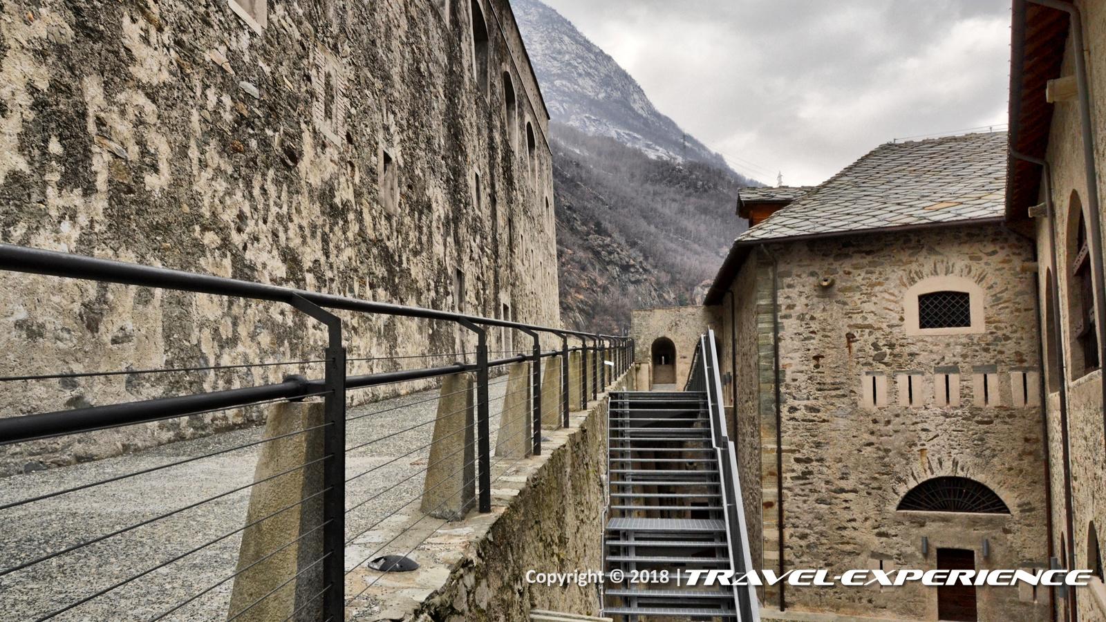 foto salita del Forte di Bard