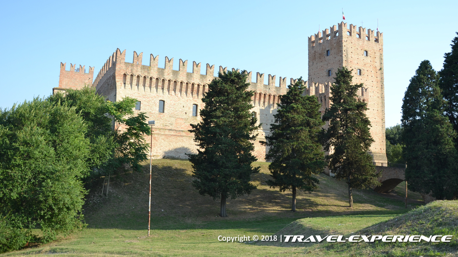 foto Castello della Rancia