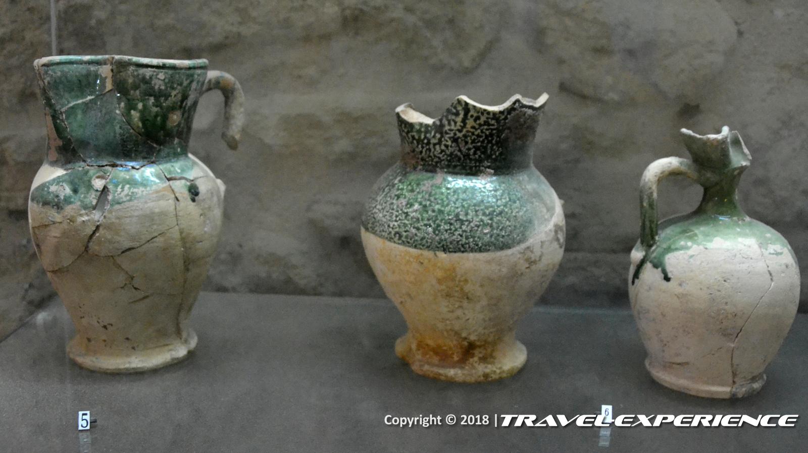 foto reperti archeologici trovati all'interno di Castel Sant'Angelo, il Castello Aragonese di Taranto