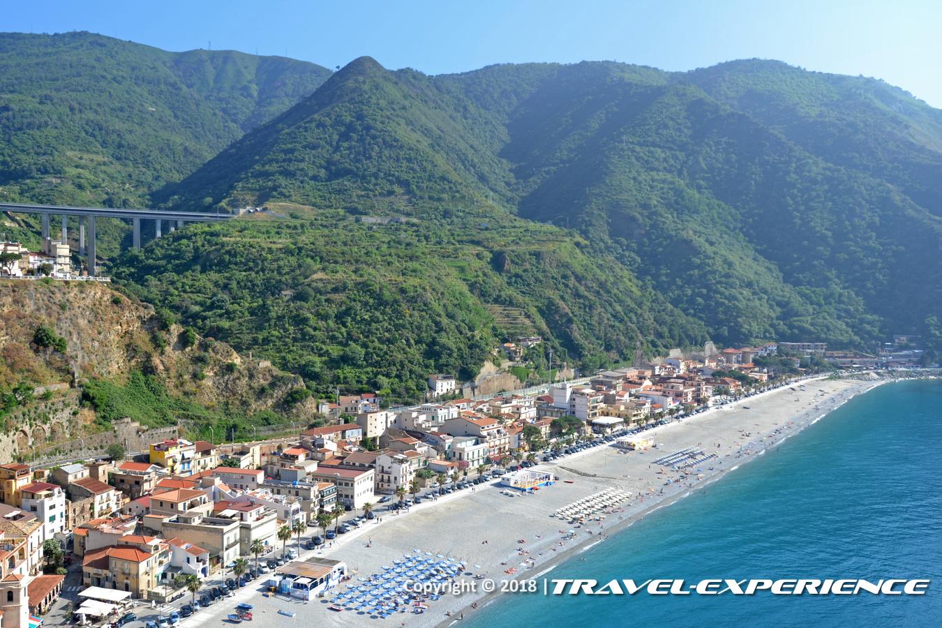 Foto panorama costa di Scilla