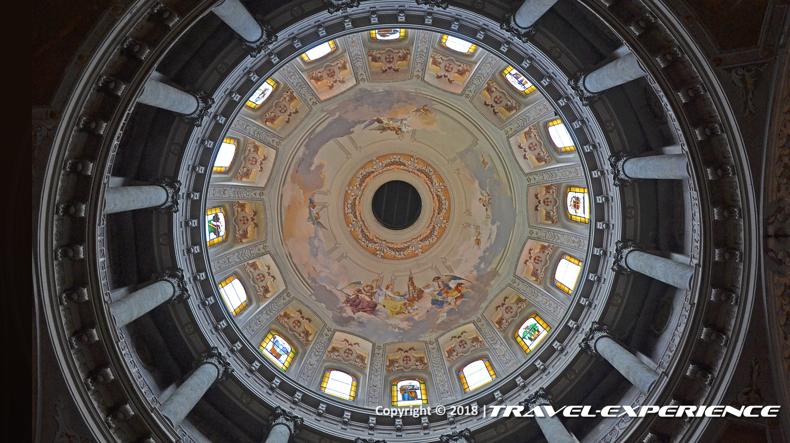 foto interno cupola di Camagna
