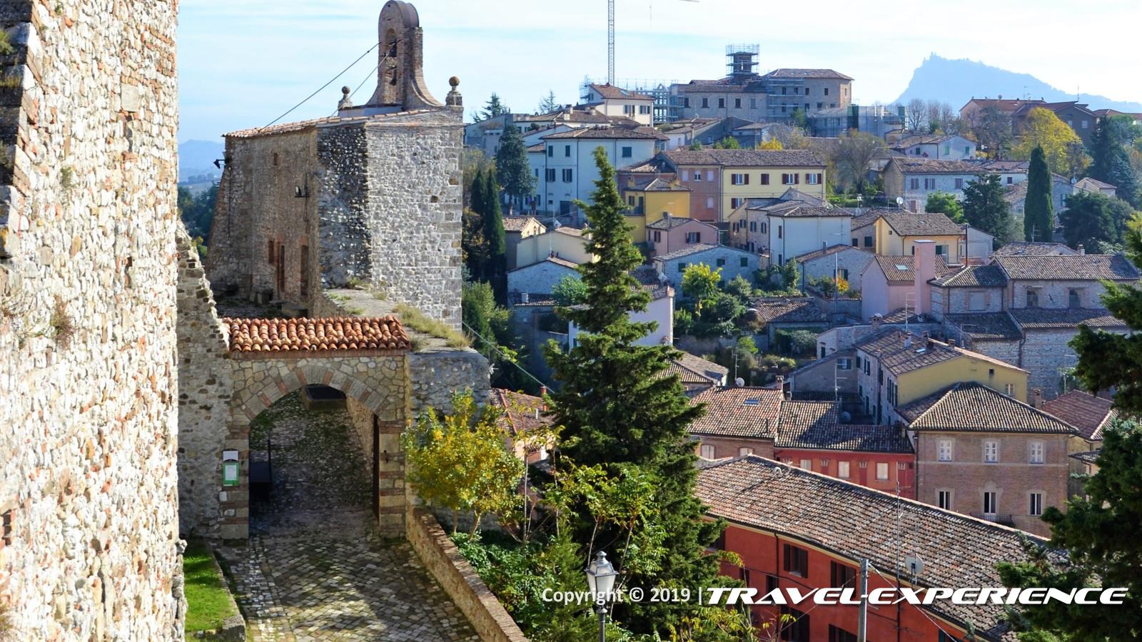 entrata del castello di Montebello, detto di Azzurrina