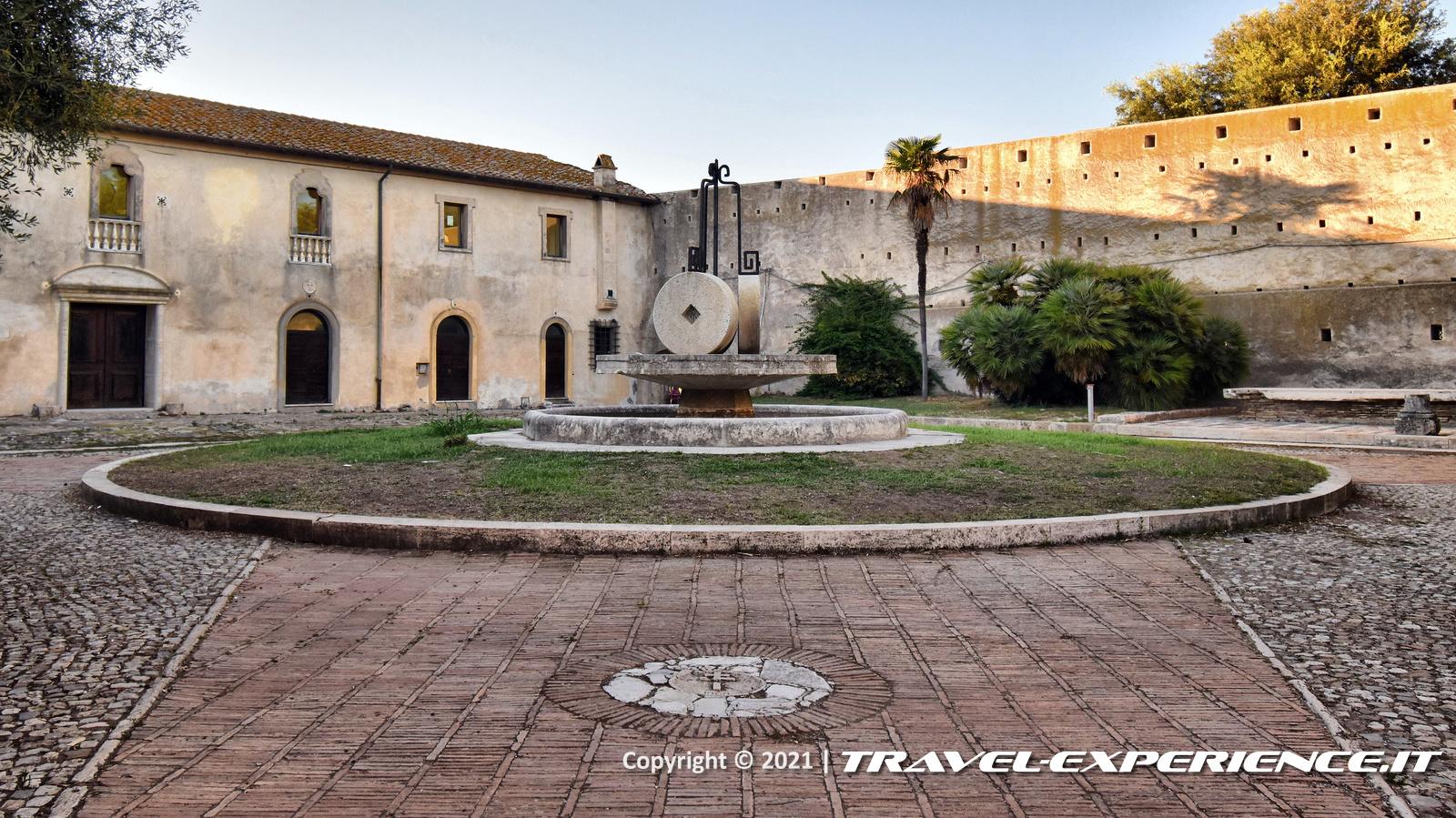 Castello di Santa Severa, Cortile delle Barrozze