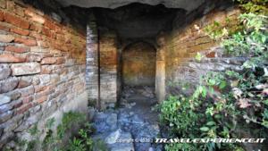 Interno dell'anfiteatro di Alba Fucens