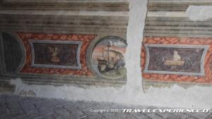 Castello di Malpaga, affreschi